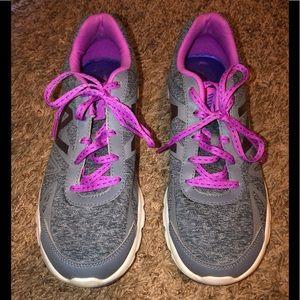 New Balance women's memory sole tennis shoes sz 9
